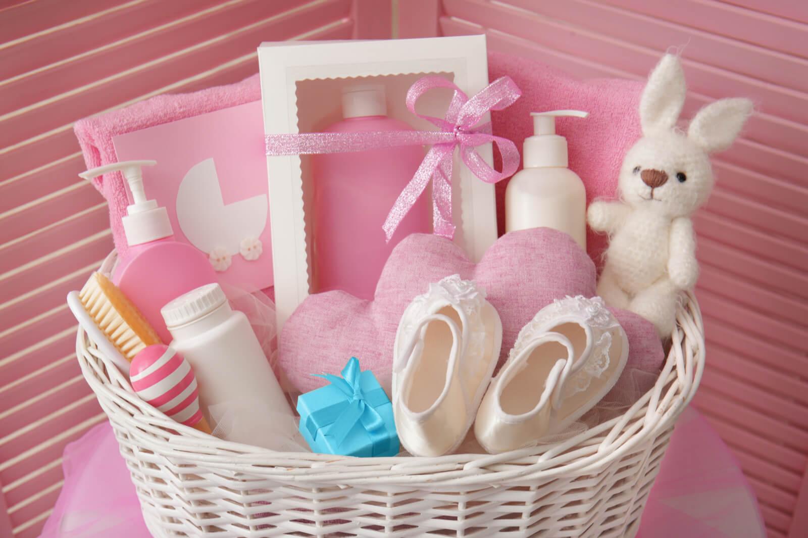 5 Ide Kado untuk Bayi Baru Lahir yang Berguna bagi Orangtua Baru