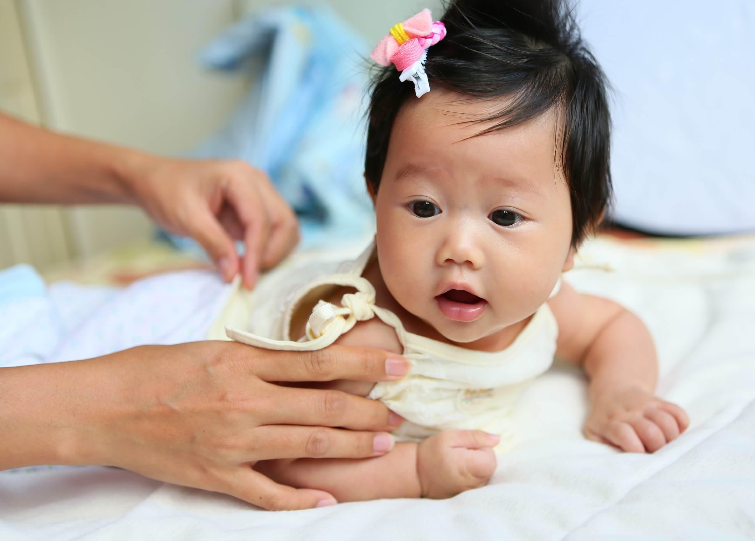 Bayi Usia 4 Bulan: Senyum dan Tawanya Makin Sering Menghiasi Hari