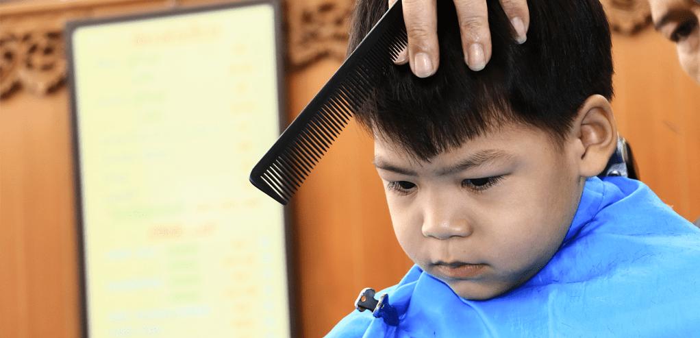 johnsons-baby-cara-aman-mencukur-sendiri-rambut-bayi. 44cda67959