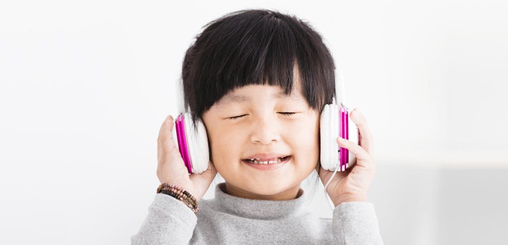 johnsons-baby-latih-kemampuan-mendengar-si-kecil-lewat-5-aktivitas-ini.png