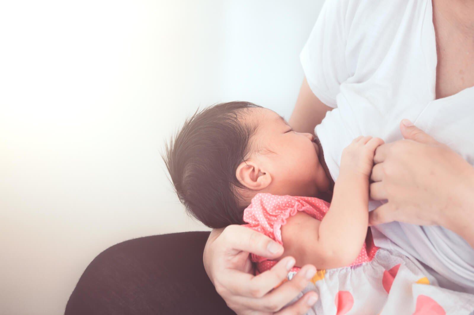 Manfaat Inisiasi Menyusui Dini bagi Ibu dan Bayi