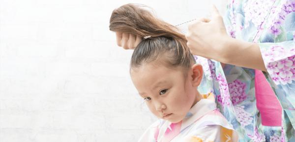 johnsons-baby-begini-kiat-aman-menata-rambut-anak-agar-tetap-sehat.png